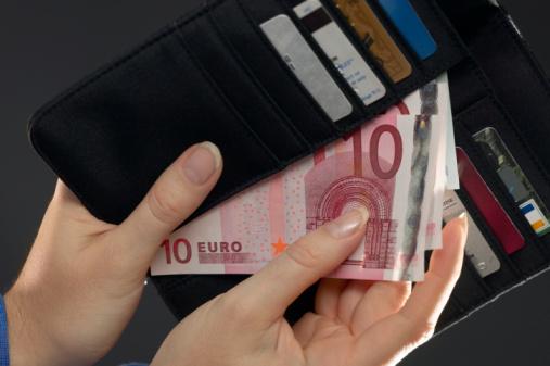 Snel geld op je rekening met geld lenen zonder documenten